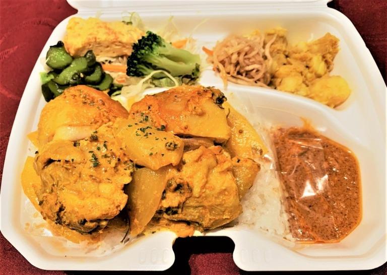 カレー煮込み弁当 Curry Nikomi